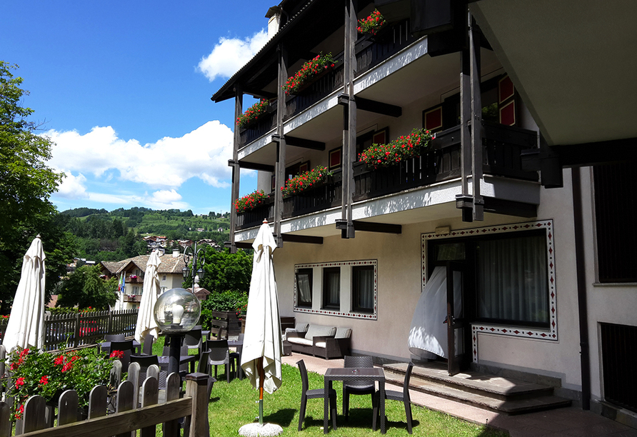 Hotel San Valier in Cavalese, Trentino Südtirol, Italien, Terrasse
