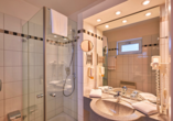 Precise Resort Marina Wolfsbruch, Beispiel Bad mit Dusche