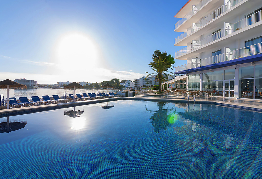 Hotel azuLine Mar Amantis in Bahia de San Antonio, Terrasse Mar Amantis I