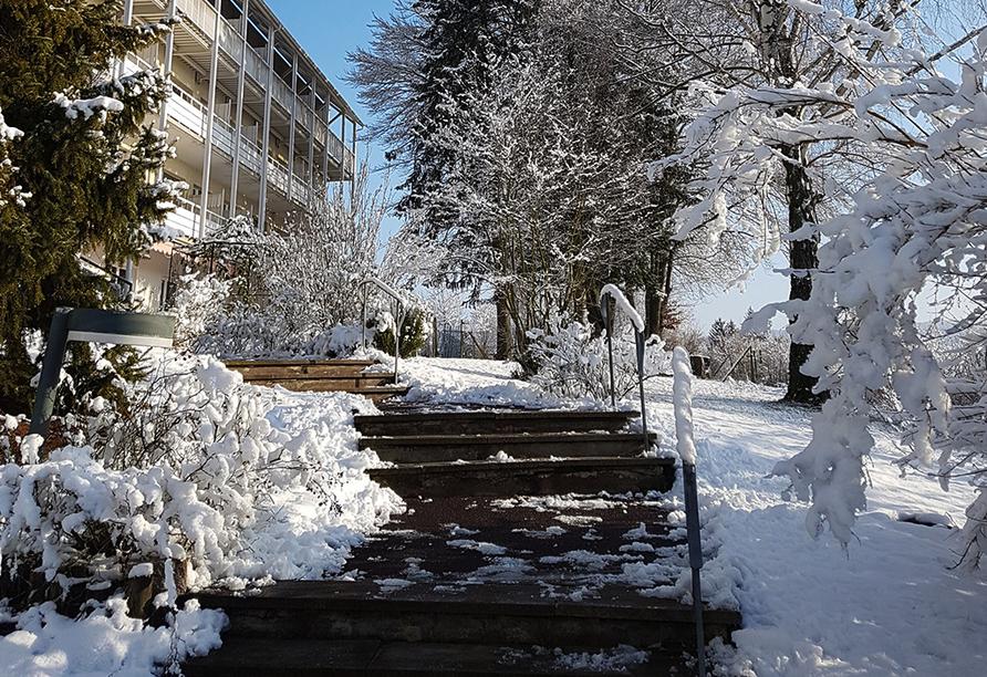 Vitalhotel König am Park in Bad Mergentheim im Tal der Tauber, Parkweg Winter