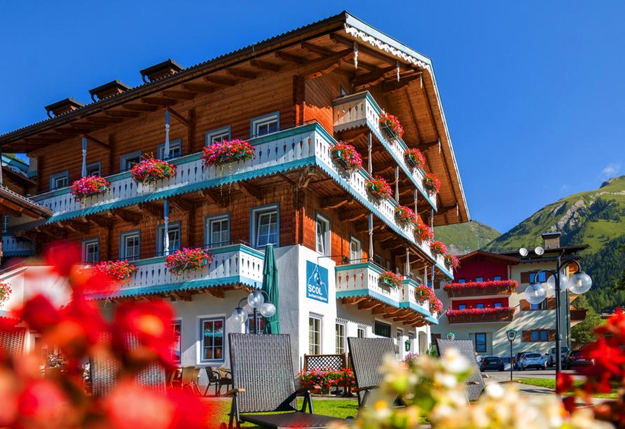 SCOL Sporthotel Großglockner in Großdorf in Tirol, Außenansicht Jenshof