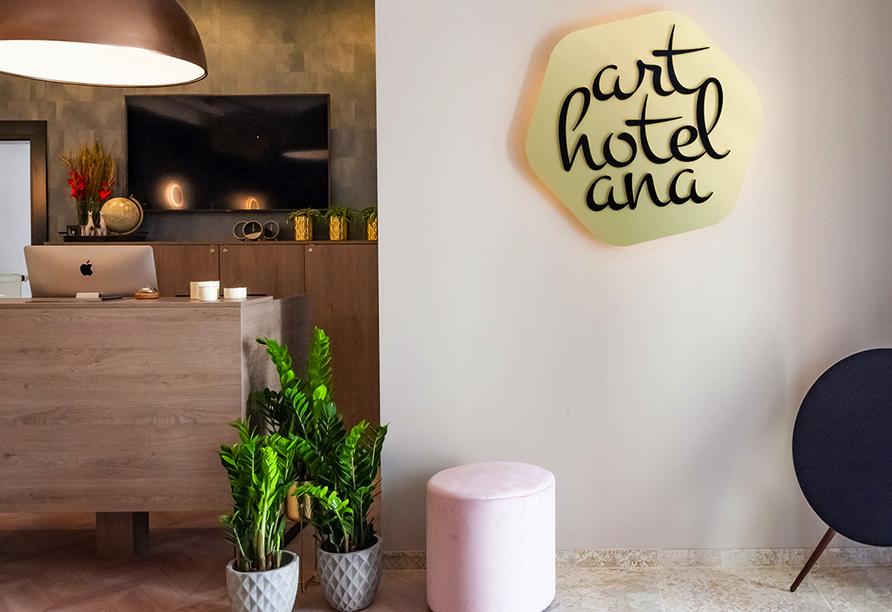 Arthotel ANA Aura in Aystetten, Eingang