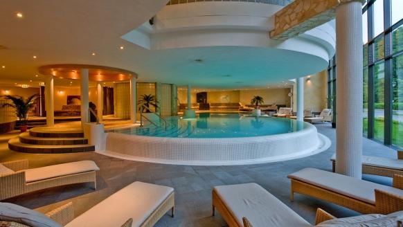 Der Wellnessbereich vom Hotel Habichtstein bietet Ihnen viel Platz zum Wohlfühlen.