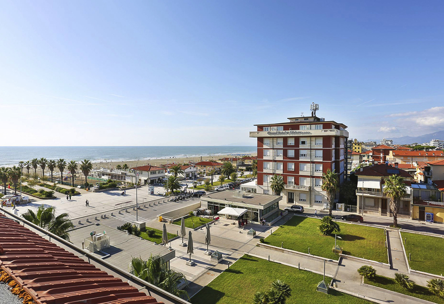 Hotel Nuovo Tirreno in Camaiore, Toskana, Italien, Aussicht vom Balkon