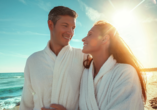 Saltic Resort & Spa, Gribow, Polnische Ostsee, Paar am Strand