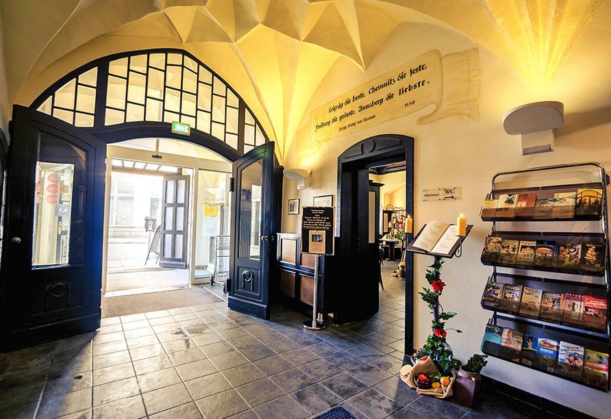 Traditionshotel Wilder Mann, Eingangsbereich