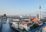 Hotel AMBER ECONTEL Berlin-Charlottenburg, Rathaus und Fernsehturm in Berlin