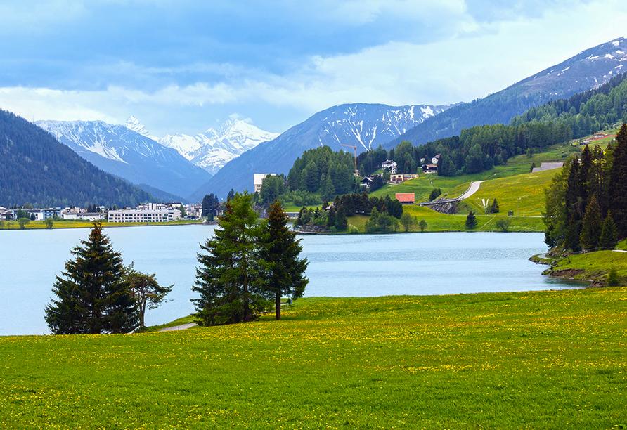 Turmhotel Victoria in Davos, Schweiz, Davoser See
