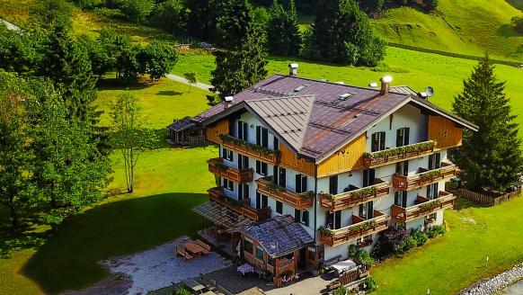 Hotel Rifugio Cereda in Primiero San Martino di Castrozza, Außenansicht