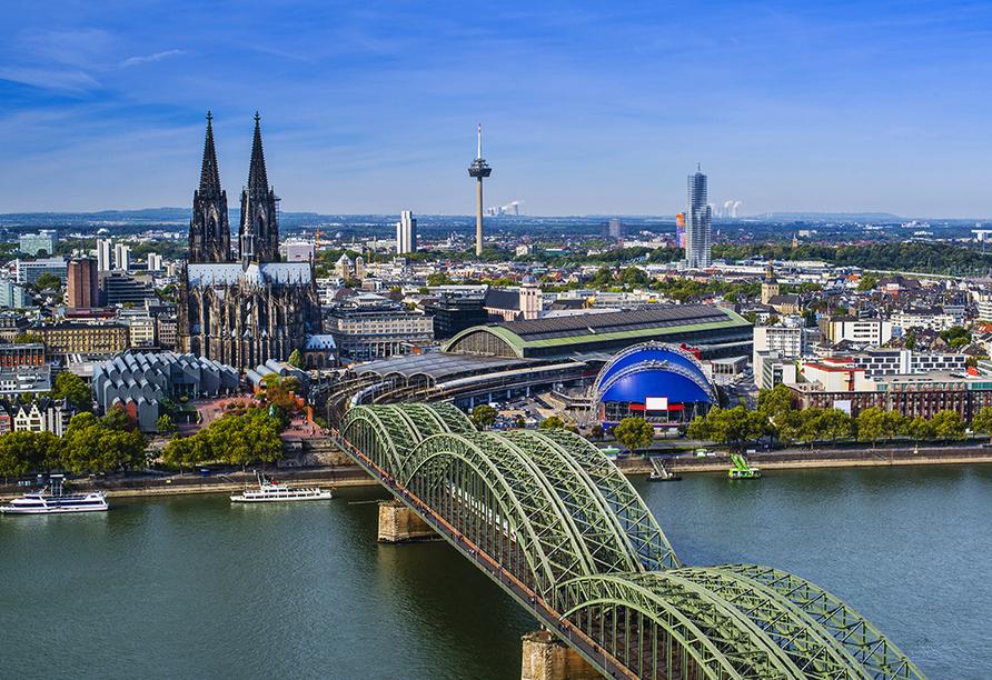 MS Olympia, Köln