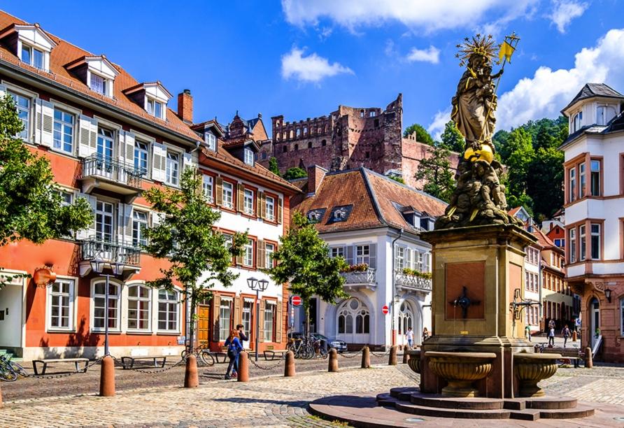 Unternehmen Sie einen Ausflug nach Heidelberg, dem Inbegriff für deutsche Romantik.