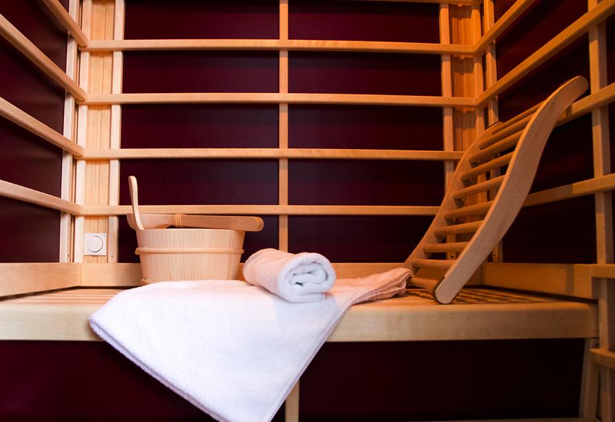Zu wohltuender Entspannung lädt die Sauna ein.