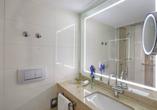 Beispielhafte Ansicht eines Badezimmers im Maritim Hotel Titisee
