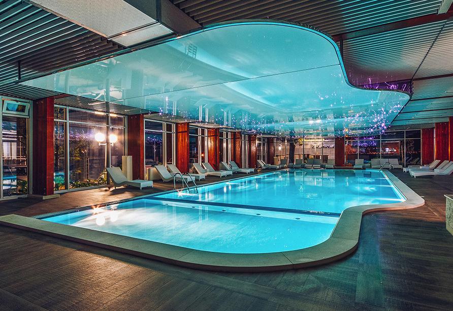 Hallenbad im Hotel Bijela Delfin