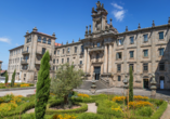 Besuchen Sie den Praza da Inmaculada in Santiago de Compostela.