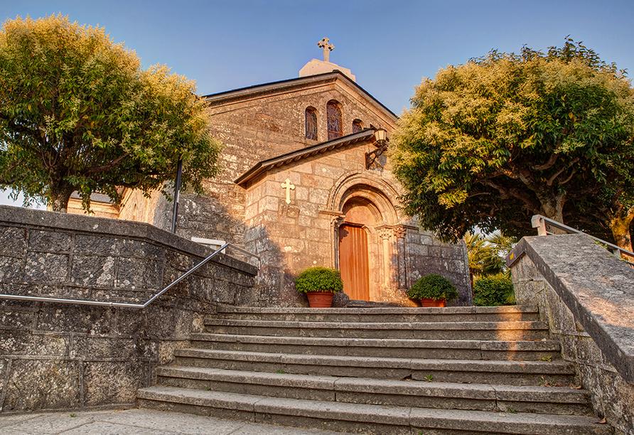 Besuchen Sie die Kirche San Tirso in Palas de Rei.