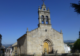 Die Kirche El Salvador in Sarria erwartet Sie.