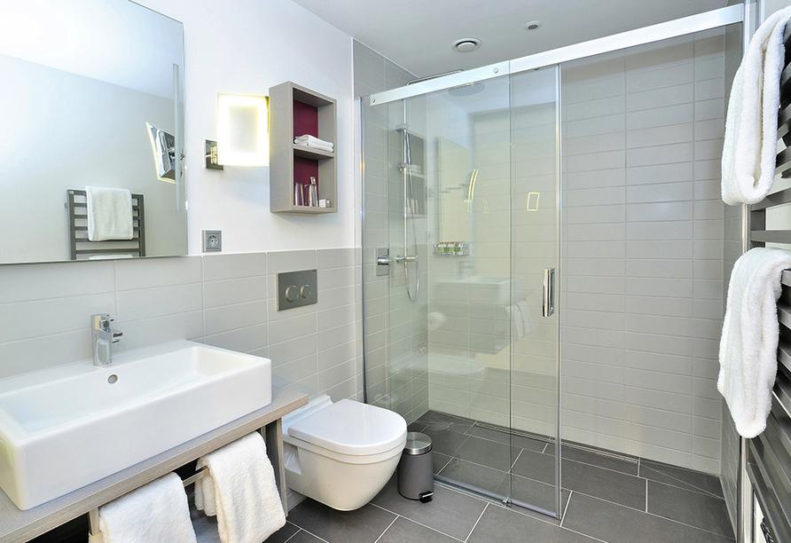 Die Duschen im Schlosshotel Monrepos sind ebenerdig.