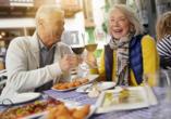 In den schönen Cafés und Restaurants der Stadt können Sie sich auch kulinarisch verwöhnen lassen.