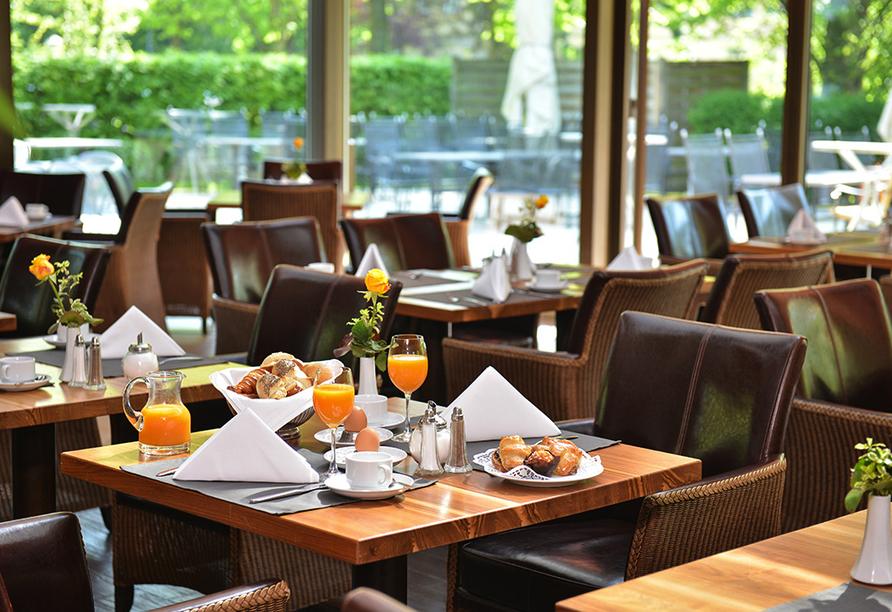 In angenehmer Atmosphäre werden Sie am Morgen mit einem leckeren Frühstück verwöhnt.