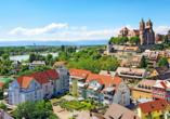 In direkter Nachbarschaft zum Elsass liegt Breisach am Rhein.