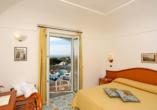 Beispiel eines Doppelzimmers Meerblick im Hotel Terme Villa Teresa