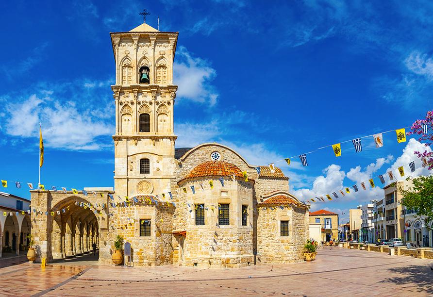 Ein Ausflug nach Larnaca mit der prächtigen Lazarus-Kirche lohnt sich.