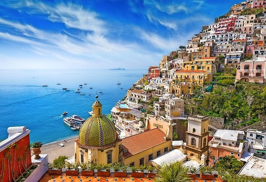 Ihre inkludierte Minikreuzfahrt führt Sie nach Positano.