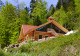 Die hoteleigene Waldhütte lädt nach einem Spaziergang zu einer geruhsamen Rast ein.