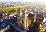 Besichtigen Sie in Ihrer Freizeit die Kathedrale von Tours.