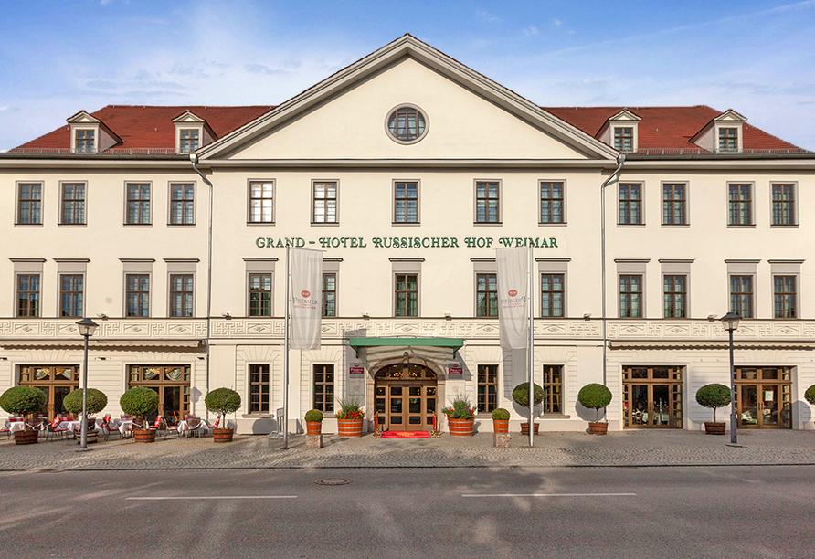 Best Western Premier Grand Hotel Russischer Hof, Außenansicht