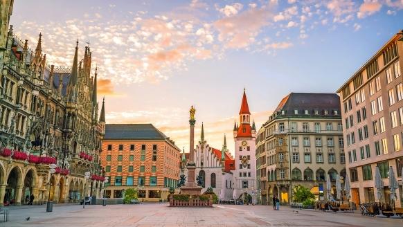 Lassen Sie sich von der bayerischen Hauptstadt mit Ihren unzähligen Sehenswürdigkeiten begeistern!