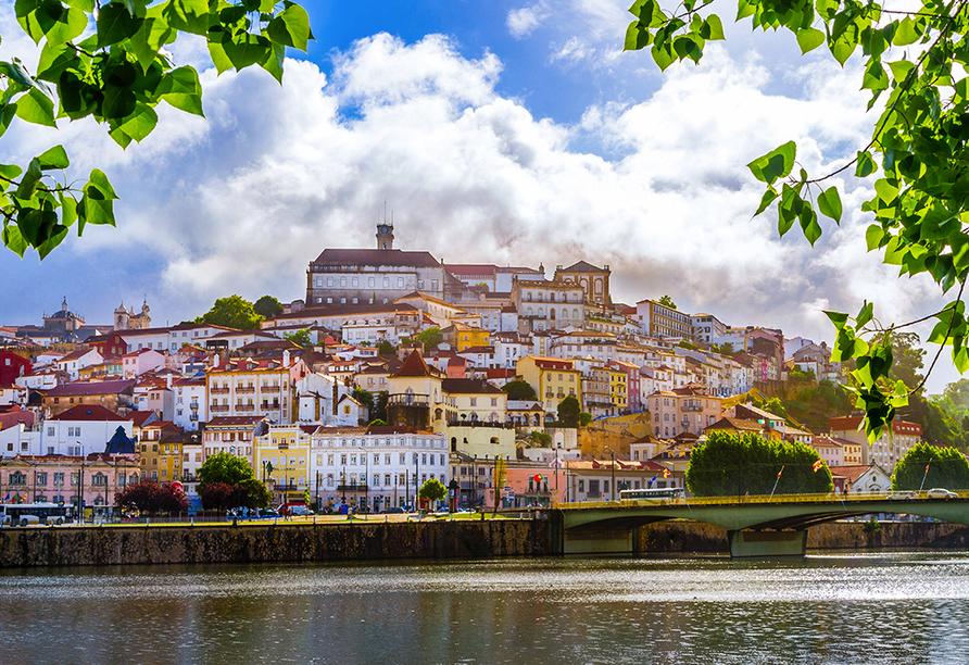 Coimbra liegt an den Ufern des Flusses Mondego und ist Geburtsort von sechs Königen.