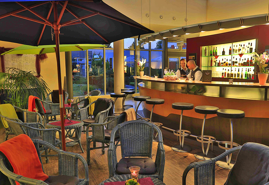 Hotelbar vom Best Western Hotel Heidehof mit gemütlichen Sitzgelegenheiten.