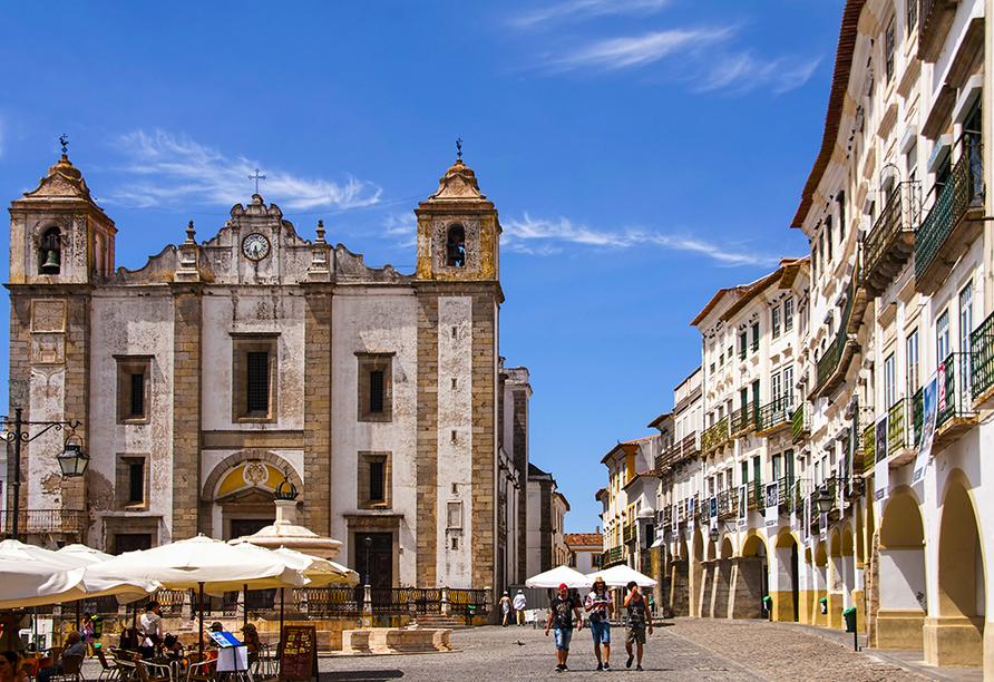 Die geschichtsträchtige Stadt Évora versprüht einen ganz besonderen Charme.