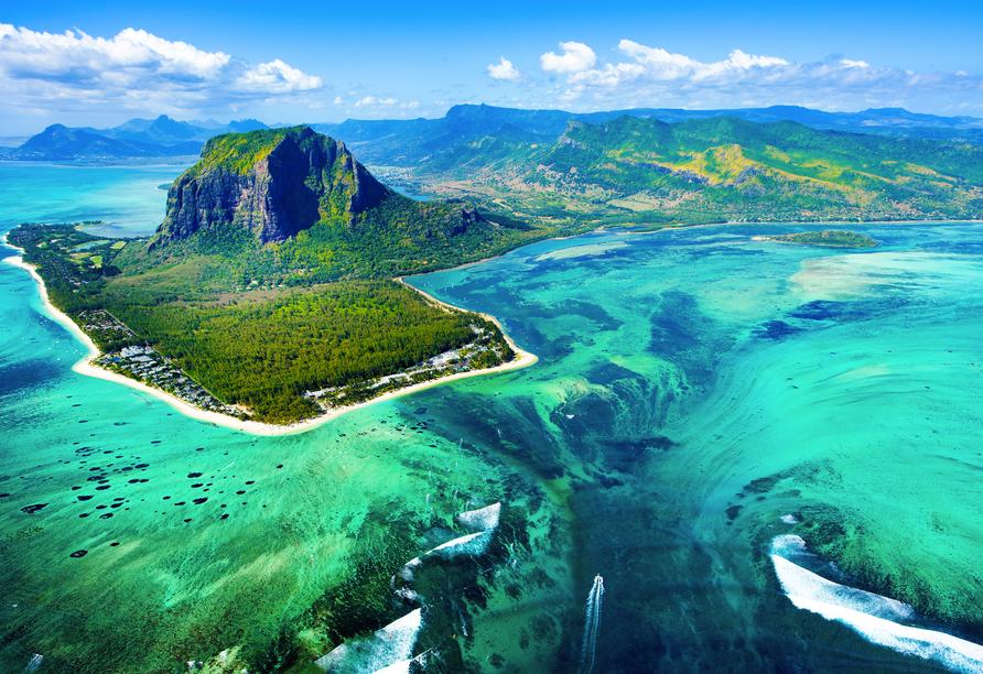 Absolut sehenswert: Der Unterwasser-Wasserfall an der Südwestspitze von Mauritius.