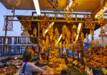 Marktsand am Abend in Rhodos-Stadt.