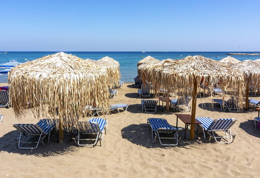 Ihr Hotel liegt nur wenige Meter vom idyllischen Faliraki Beach entfernt.