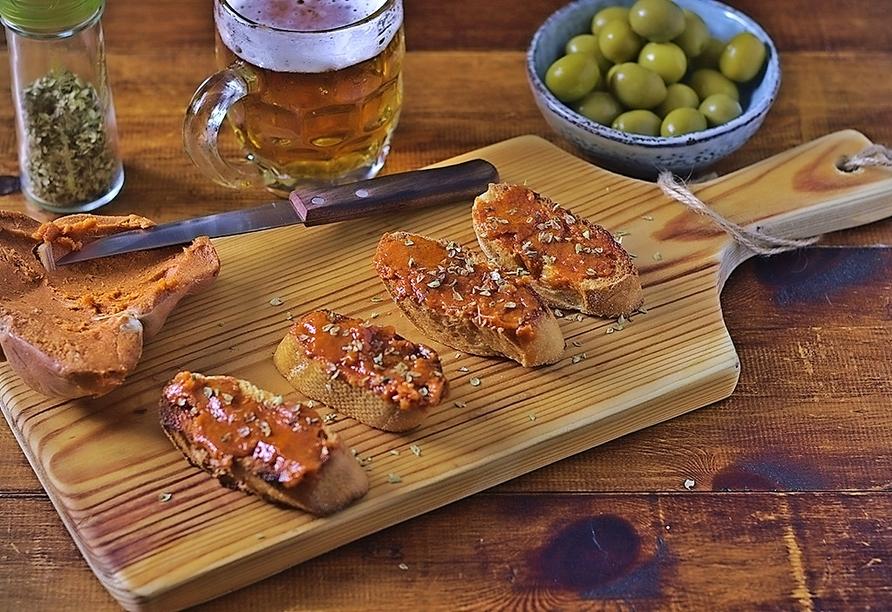 Tostada de Sobrasada ist ein typisches Gericht der Balearen – probieren lohnt sich!