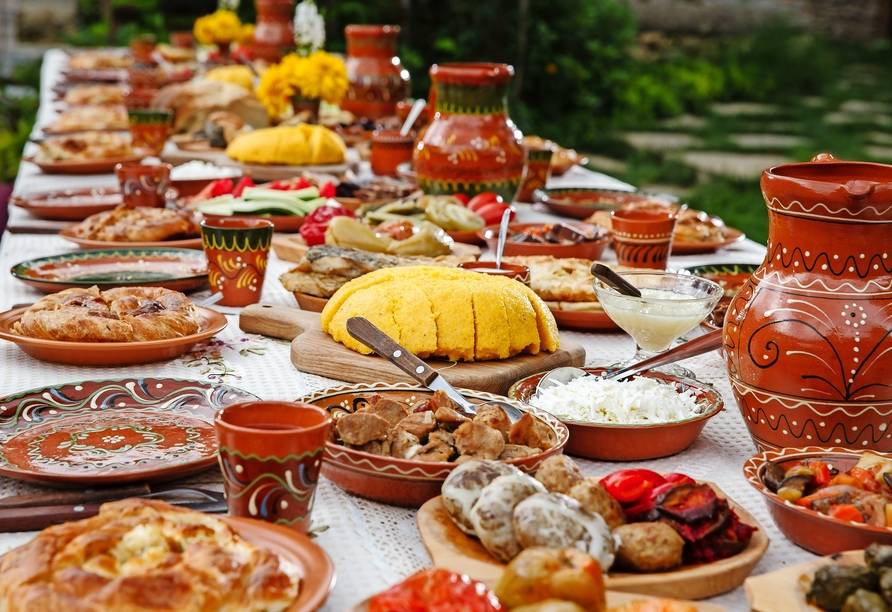 Bei Buchung des optionalen Kultur- und Genusspakets dürfen Sie sich auf ein typisch rumänisches Abendessen freuen.