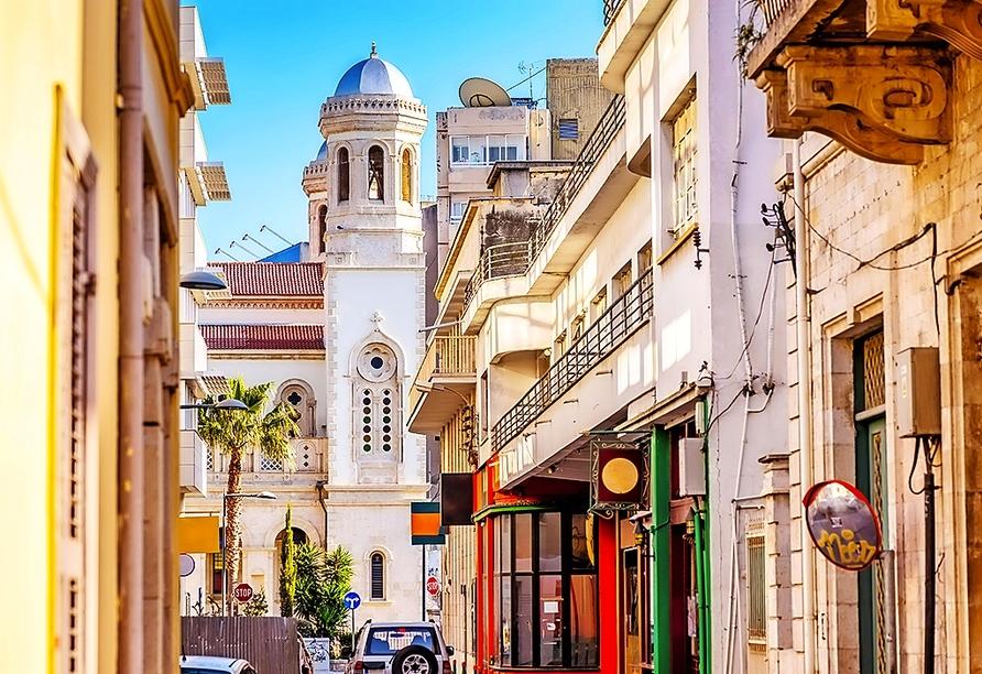 Schlendern Sie durch die Straßen der Altstadt Ayia Napas.