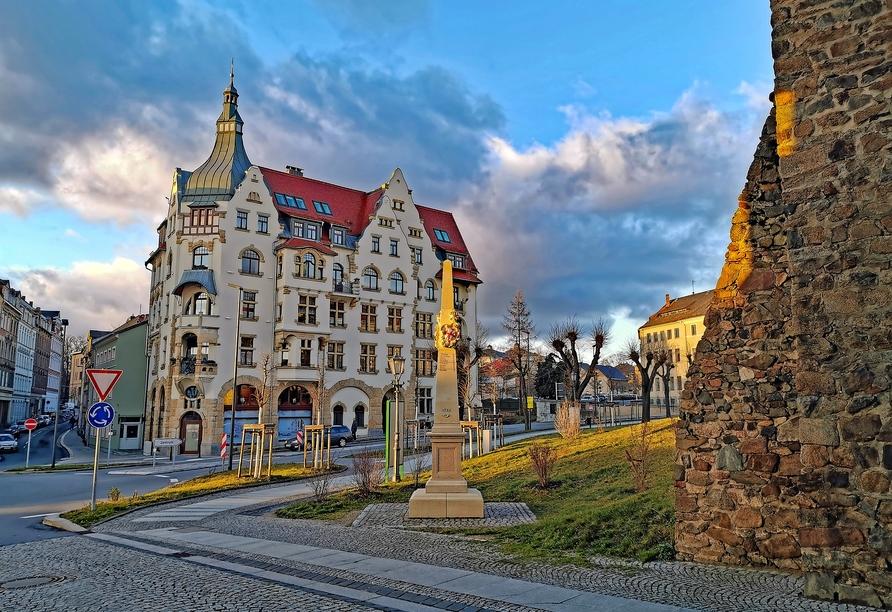 Hotel Stadt Löbau Oberlausitz, Promenadenring mit Postsäule