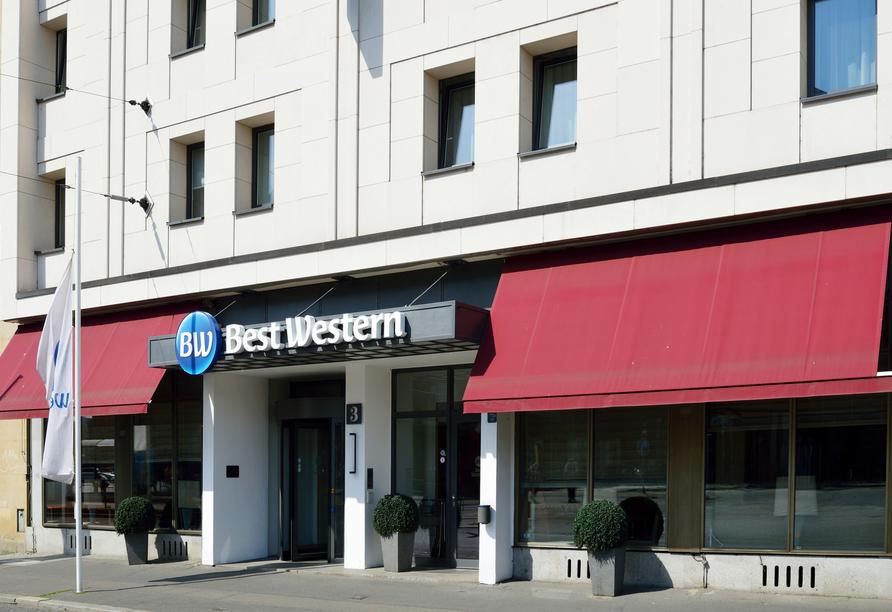 Außenansicht vom Eingang des Best Western Hotels Leipzig City Center.