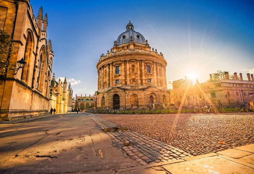 Lernen Sie die Universitätsstadt Oxford bei einer Besichtigung näher kennen.
