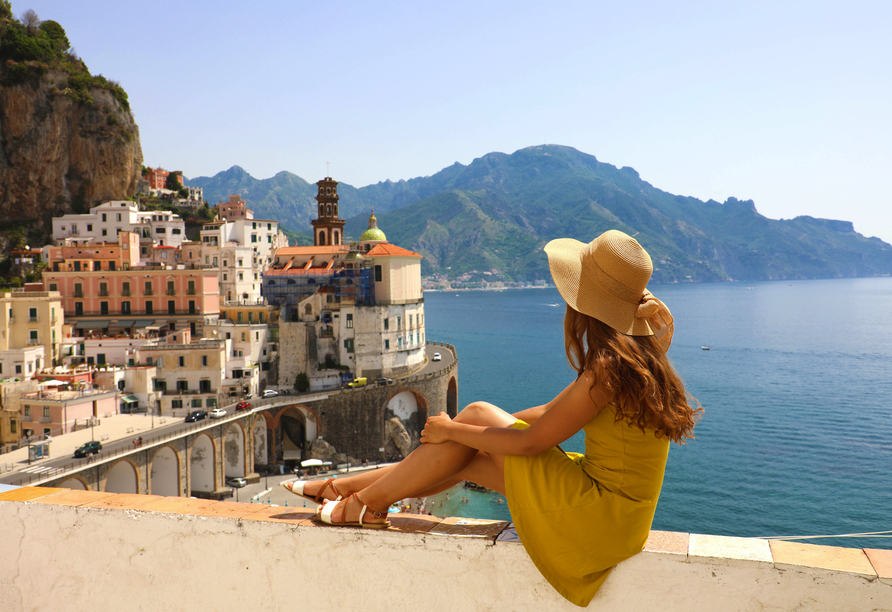 An der Amalfiküste erwarten Sie wunderschöne Panoramablicke.