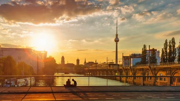 Best Western Hotel am Spittelmarkt, Berliner Fernsehturm und Sonnenuntergang