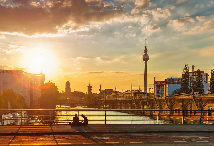 Traumhafter Sonneuntergang über Berlin.
