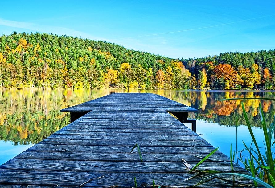 Der Blaibacher See ist unter anderem für Angler ein kleines Paradies.