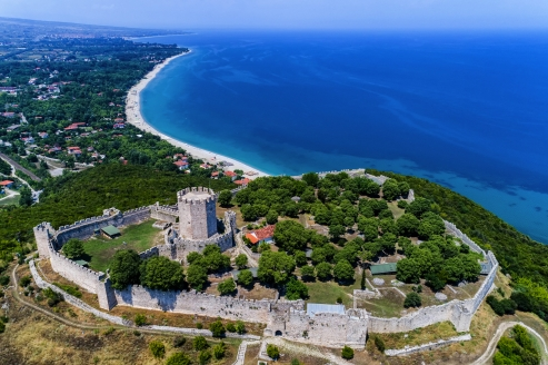 Die Burg von Platamonas offenbart einen grandiosen Blick auf die Bucht des Thermaischen Golfes.