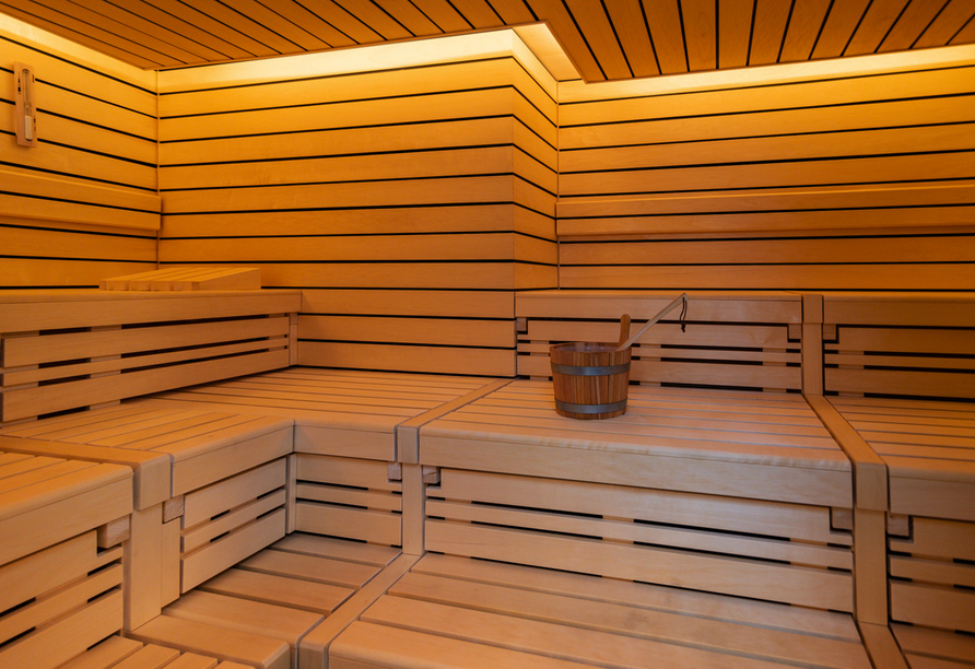 Wohltuende Entspannung für Köper und Geist bietet die Sauna.